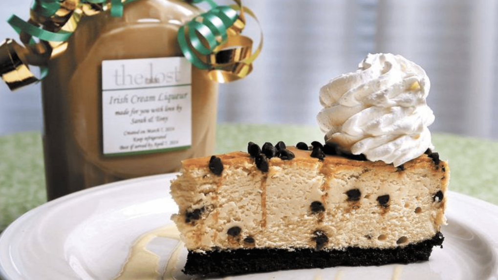 irish-cream-liqueur-and-cheesecake-16-9.png