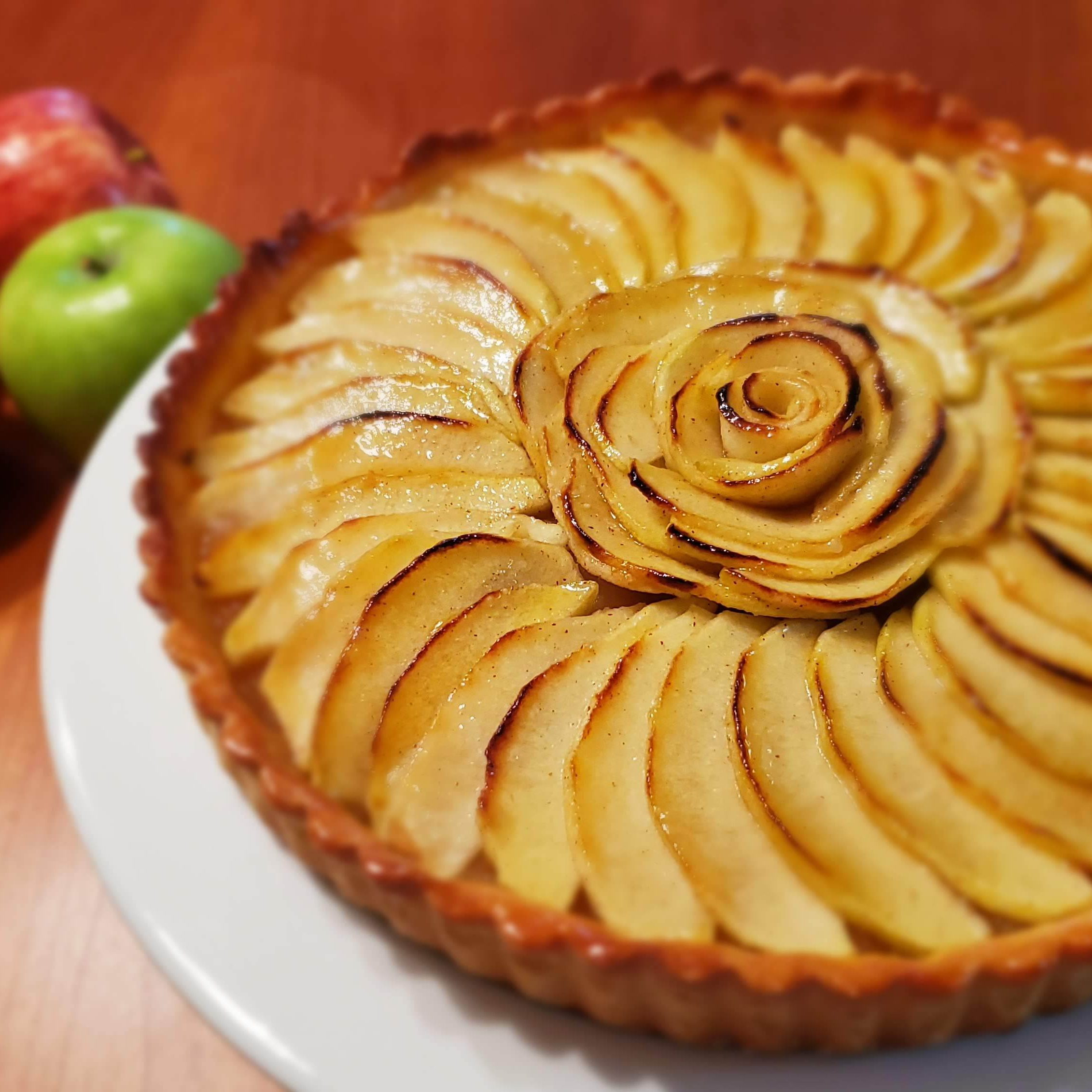 cropped-french-apple-tart-with-apples-e1571861916266